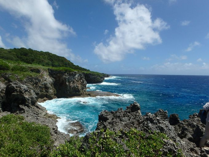 世界一の深さ、あの「マリアナ海溝」を望む絶景