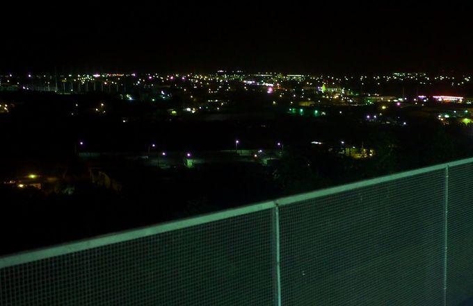 高台から眺める夜景