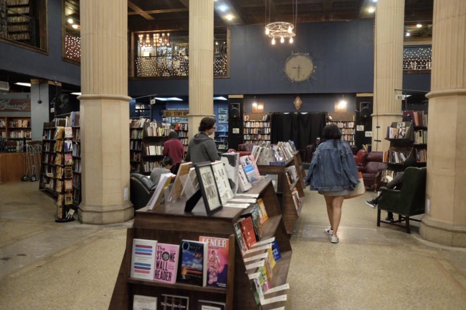世界で最も美しい「最後の本屋」を探検!