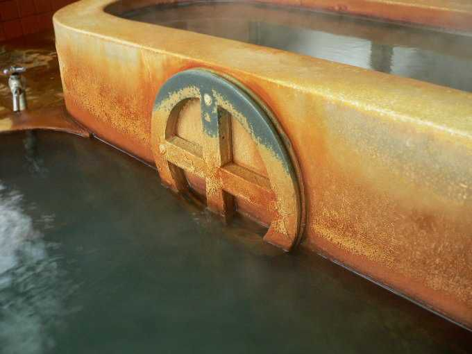 丸に十の字の浴槽、お殿様気分を味わえる!