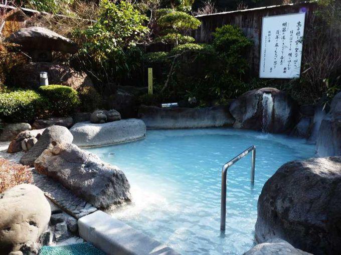 庭園大浴場の外には日本庭園風露天風呂