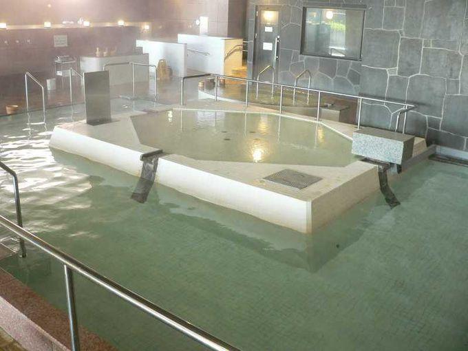 地下1,000mから湧出する天然温泉