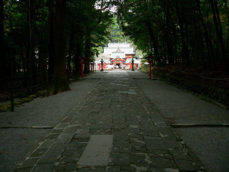 パワースポット霧島神宮の四季にふれながら散策