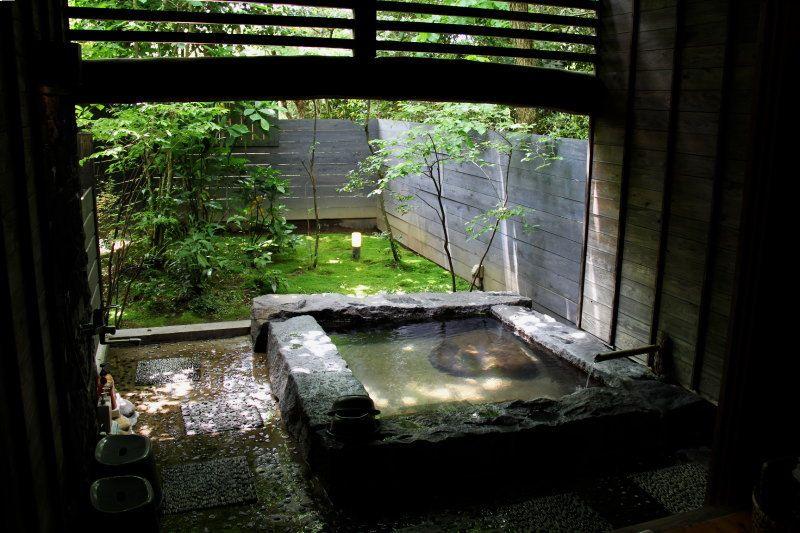 鹿児島・宮之城温泉のデザイナーズ旅館「手塚ryokan」は、癒しと寛ぎの非日常空間!