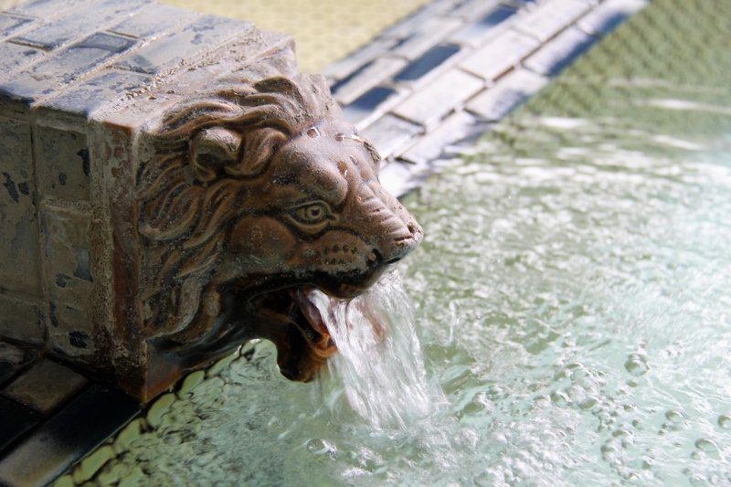 残したい薩摩川内の温泉原風景「藺牟田温泉郷下ノ湯公衆浴場」