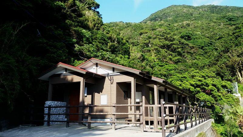口之島の南端、燃岳麓に湧出するセランマ温泉