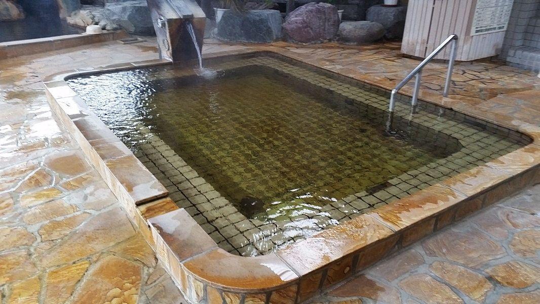 源泉かけ流しの湯は究極の美人湯!