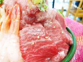 天を貫く海鮮丼!?酒田市みなと市場の山ほこ丼が凄すぎる!
