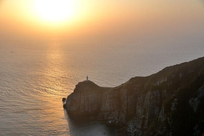帰り道に是非寄りたい!夕日が沈む大瀬崎灯台の絶景