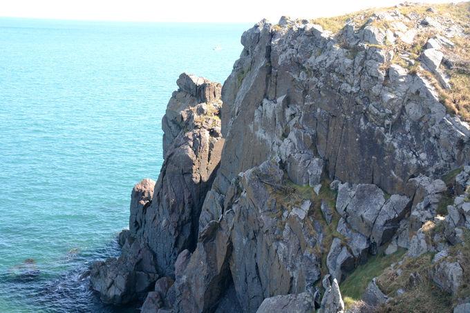 半島の突端 入道崎には7000万年前の岩石が露出!