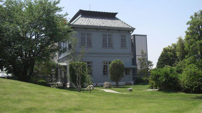 創業時、事務所だった本館は近代産業遺産として必見!