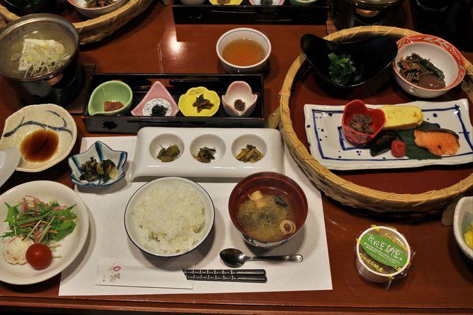 朝から食欲全開!20種類の食材と上杉家伝統の「かてもの料理」の朝食!!