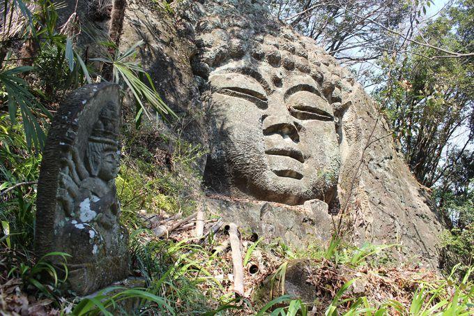 富岡製糸場の礎石を切り出した採掘場跡と三十三観音の連石山