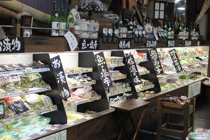 越後湯沢駅ぽんしゅ館は、酒や、米、醤油と、新潟の食のおとぎの国