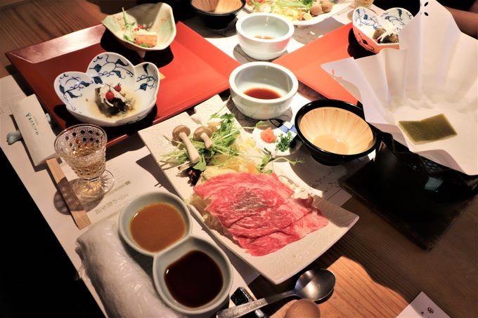 野草酒で始まる夕食!地元食材の和風創作料理