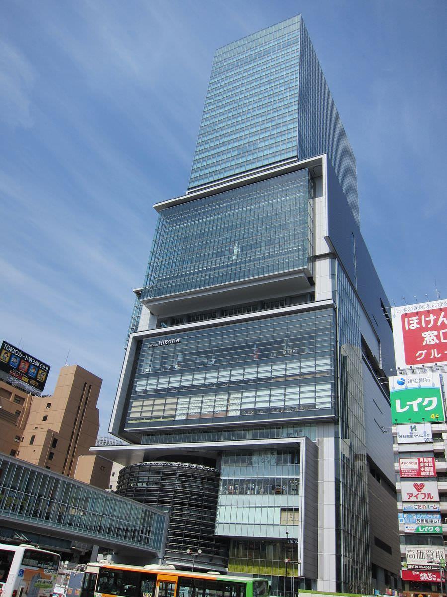 駅からすぐ行ける!ビッグな複合商業施設「渋谷ヒカリエ」