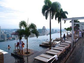 シンガポールの天空プールで泳ぐ!「マリーナ・ベイ・サンズ」