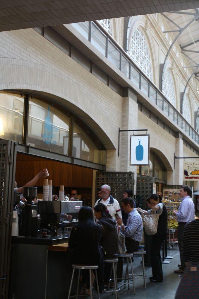 どっしりとした建物で飲むコーヒーは最高!フェリービルディング店!