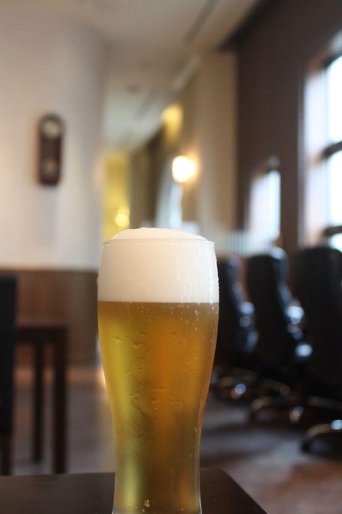 ラウンジでビール飲み放題!予約するならぜひ「デラックス・フロア」を!