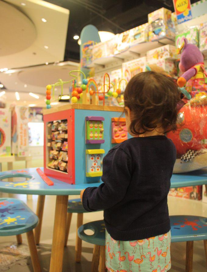 海外のおもちゃがわんさか!誠品書店はおもしろ本屋