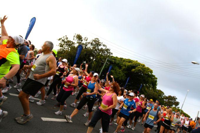 気軽にエントリーできる5.7キロからフルマラソンまで幅広いコース!