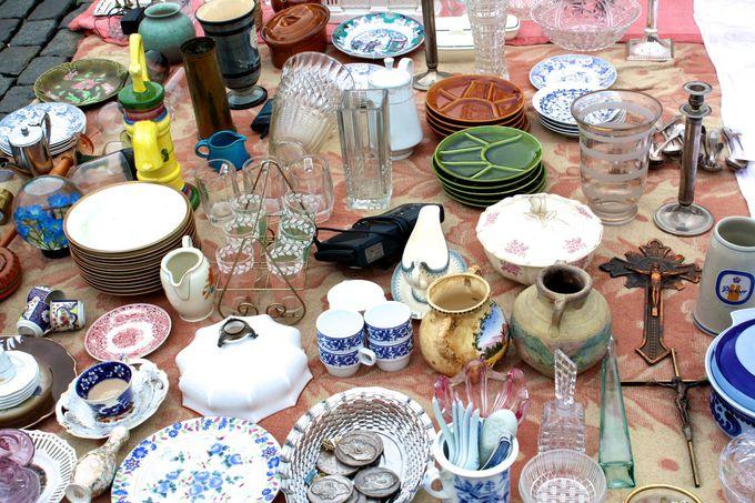地元っ子風にショッピングに挑戦!ジュ・ド・バル広場の蚤の市