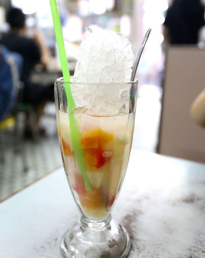 映画のロケ地喫茶「中国氷室」でシンプルなかき氷ドリンク