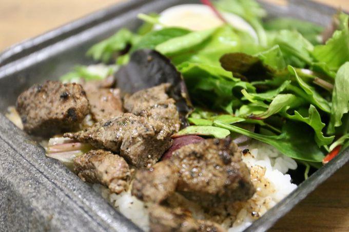 コスパよし!焼きたての肉のシンプルなおいしさ「ステーキ・シャック」