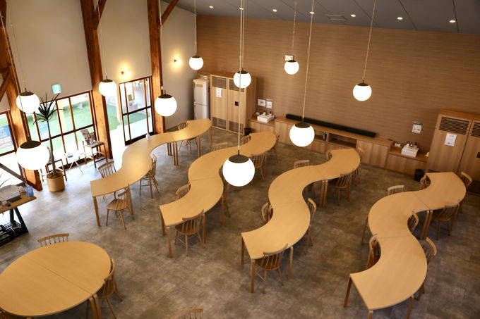 食堂だった場所は「せいざんカフェ」