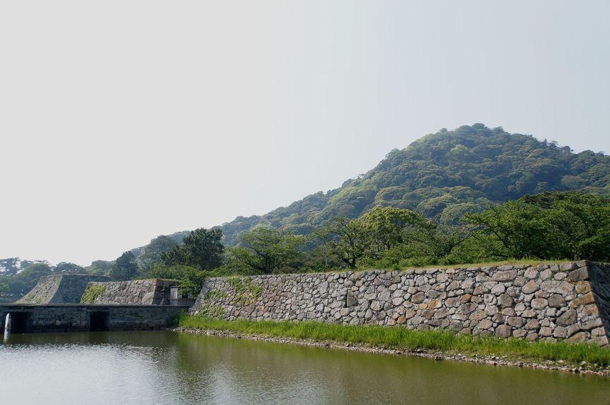維新志士を生んだ萩の町のシンボル、萩城へ