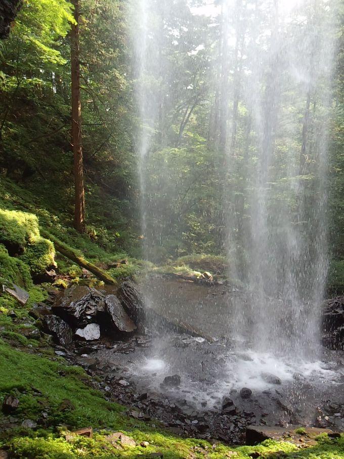 新滝の裏風景はこれだ!