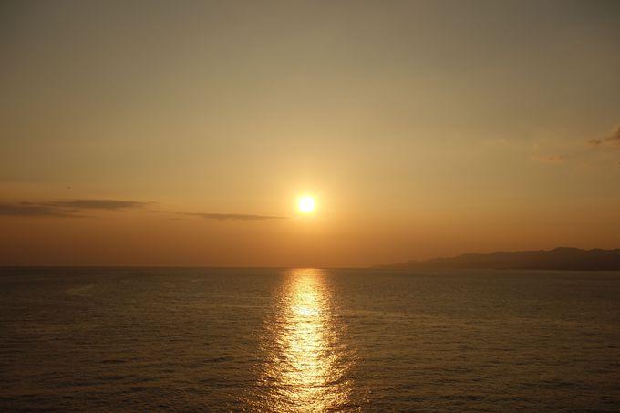 水平線が丸く見える!?本州最南端の観光スポット「潮岬」