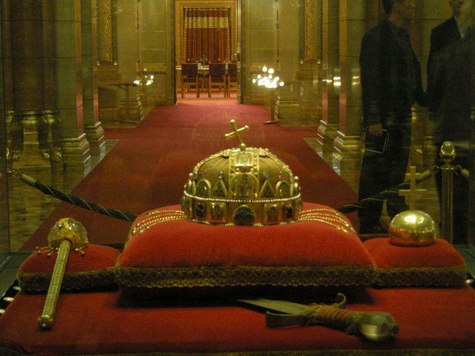王冠及び衛兵の撮影は禁止