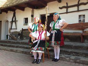 独自の文化・伝統が残る世界遺産の村ホッロークー