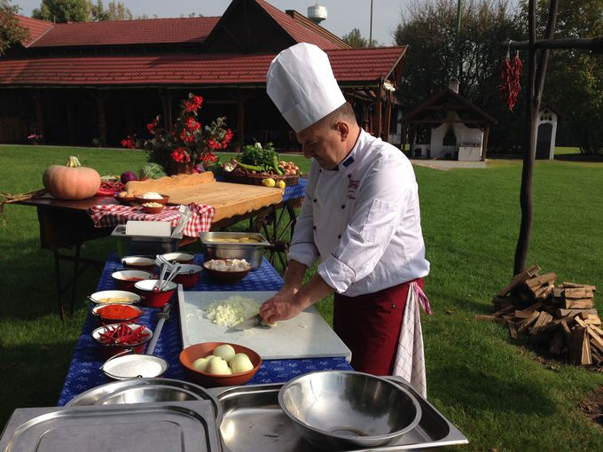 大鍋でたくさん作った方がおいしい料理グヤーシュ