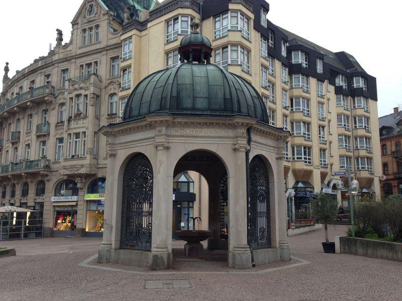 ドイツの高級保養地ヴィースバーデンは温泉でのんびり&カジノで刺激!