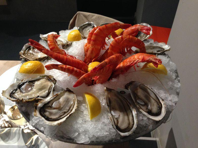 安い・新鮮・美味いの3拍子!マルセイユのシーフード食堂「TOINOU」に注目!