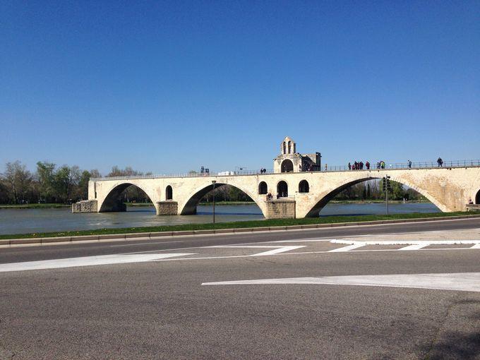 知名度の割にはシンプルなサン・べネゼ橋