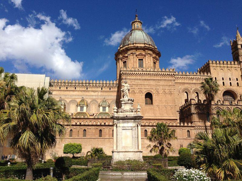 なぜに魅力?多様な文化が交差するシチリア州々都パレルモを歩こう