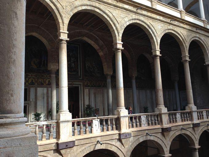 ノルマン時代の傑作「パラティーナ礼拝堂」