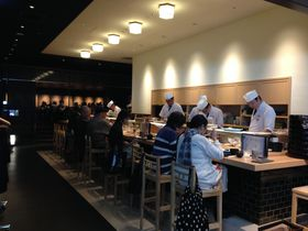 御徒町駅前・吉池食堂がリニューアル!懐かしの庶民的お好み大食堂は今…
