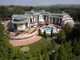 ハンガリー屈指の温泉地へーヴィーズ宿泊は「ロータス・テルメ」で身も心も贅沢に!