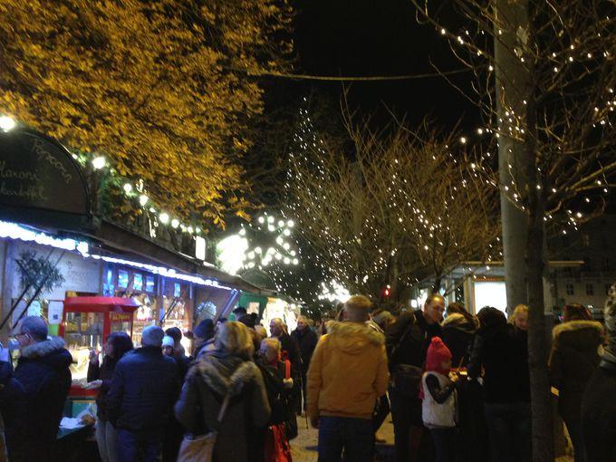 ミラベル広場のクリスマスマーケット