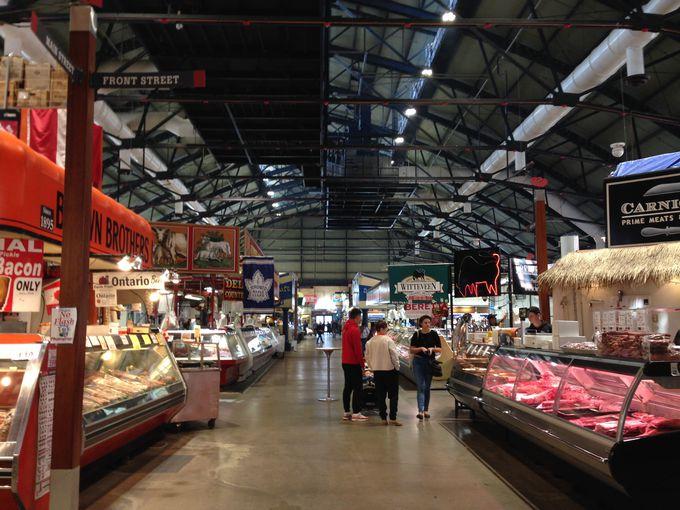 コスモポリタンシティ、トロントの食事情が分かる市場