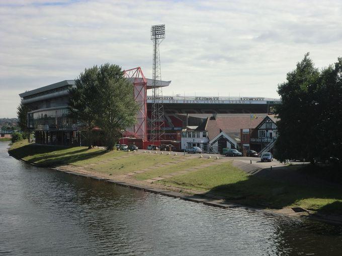 イギリスで「古い歴史」のある二つの「フットボールクラブ」
