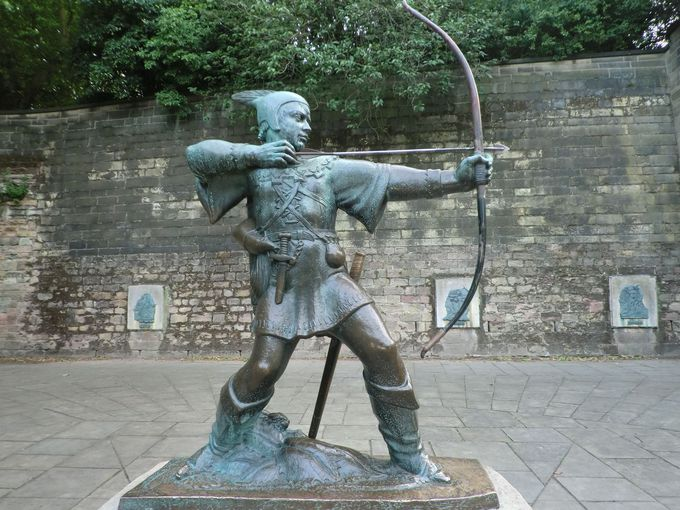 ロビン・フットの銅像