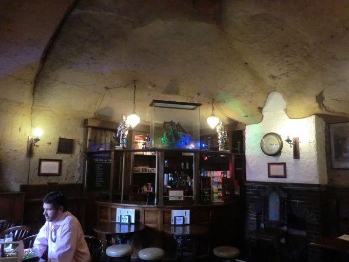 ロック・ラウンジ (Rock Lounge)