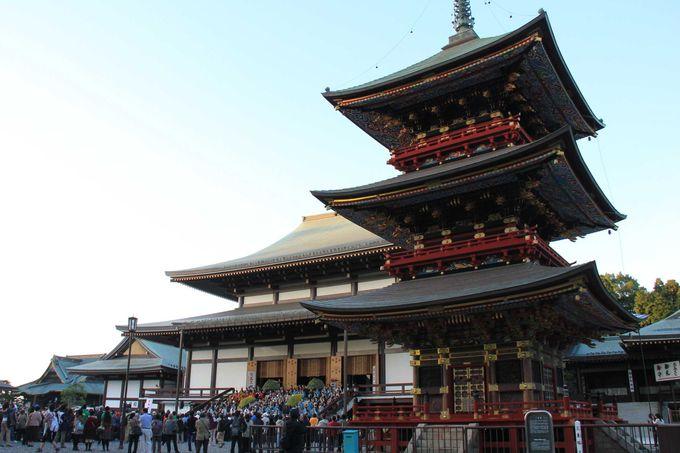 名物の鰻は食べておきたい!「成田山新勝寺」と門前町の参道