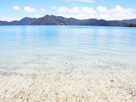 透き通る青い海と美しいビーチが魅力!奄美群島・加計呂麻島観光へ