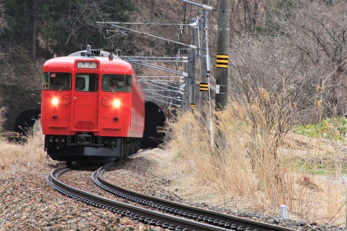 間近に疾走する電車を撮影!牟礼〜古間の撮影ポイント。